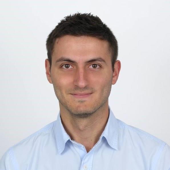 Стоян Николов